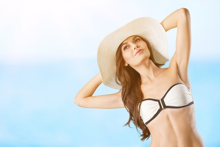 Woman in the beach Standard-Bild