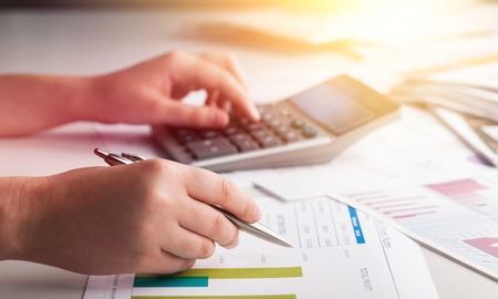 Los financieros están calculando impuestos personales