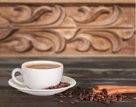 cup of coffee with cinnamon and beans Reklamní fotografie