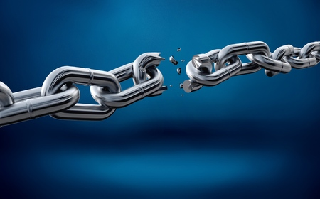 Broken metal chain on blue background 写真素材 - 108742982
