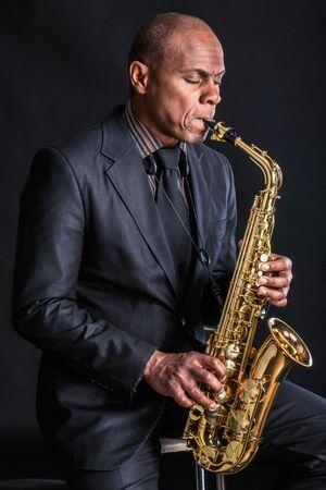 saxophoniste au crépuscule 2 Banque d'images