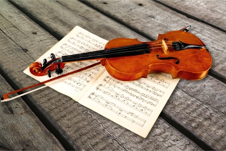 Photo Of Violin And Musical Notes Stockfoto