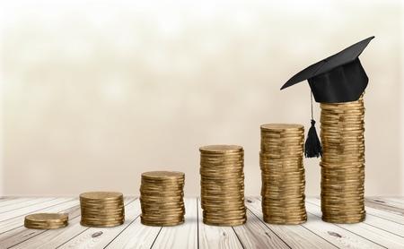 祝贺在金钱奖学金金钱背景概念顶部的毕业生。