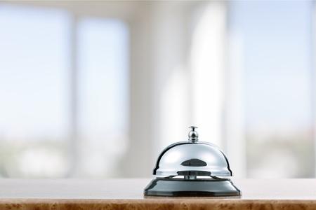 Vintage hotel reception service desk bell. Stockfoto