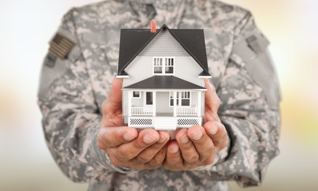US Soldier with real estate 스톡 콘텐츠 - 124558591