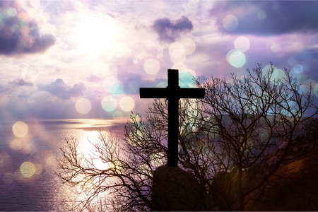 Koncepcja Jezusa Chrystusa: krzyż o poranku o wschodzie słońca - Image