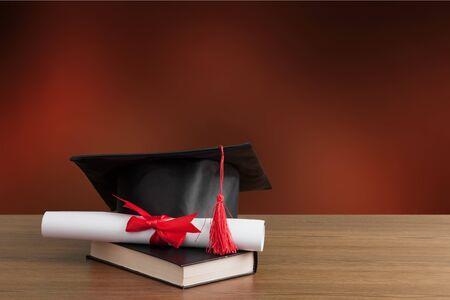 毕业帽书桌帽子桌学术成就