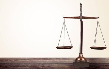 Básculas de peso de la justicia