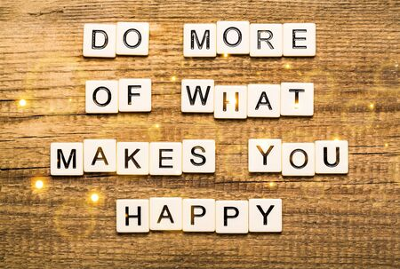 Do More Of What Makes You Happy card with bokeh background