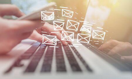 Concepto de email marketing y newsletter Foto de archivo