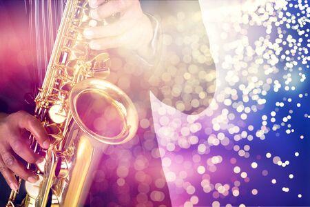 Joueur de saxophone jouant de la musique jazz Banque d'images