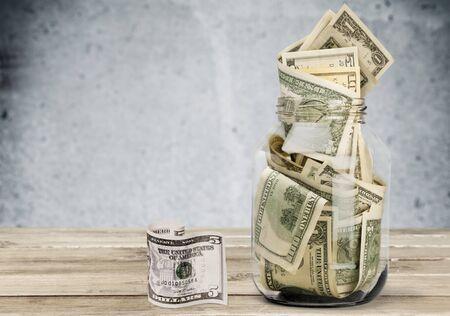 Pot met geld