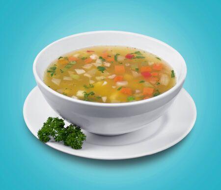 Ciotola di deliziosa zuppa di verdure sul tavolo
