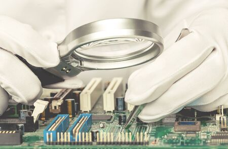 Quality control of electronic components on PCB