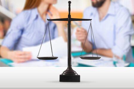 Echtscheiding advocaat overeenkomst rechtszaal onenigheid familierecht Stockfoto