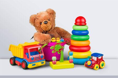 Colección de juguetes aislado sobre fondo Foto de archivo