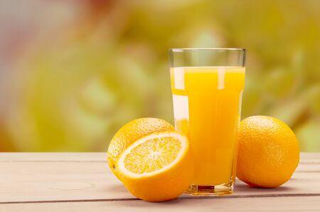 Orange juice and slices of orange Stockfoto