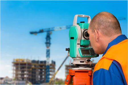 Land surveyor with total station