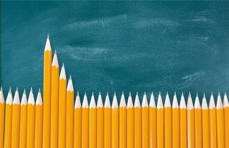 Hervorragender Bleistift auf der Schulbank Standard-Bild