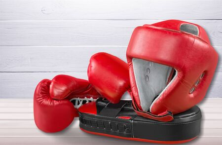 Pink boxing gloves on background 版權商用圖片