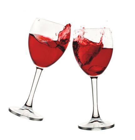 Set di due bicchieri da vino con vino rosso o rosato