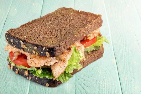 Fresh tasty sandwich with ham on plate, close-up view 版權商用圖片