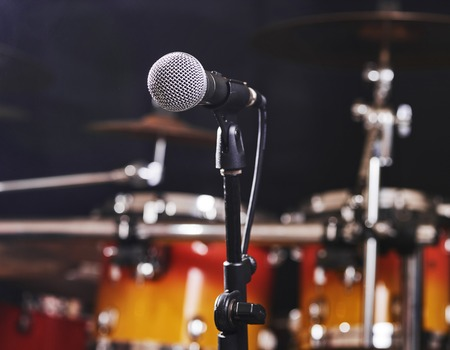 Selective focus microphone and bokeh musical equipment