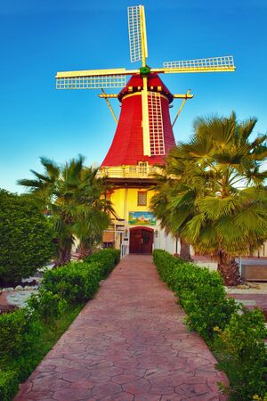 dutch: Dutch windmill, Aruba