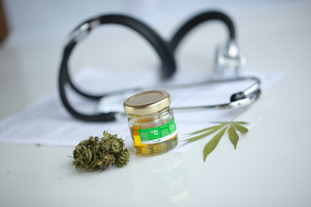cannabis, CBD oil ,stethoscope and recipe Banque d'images