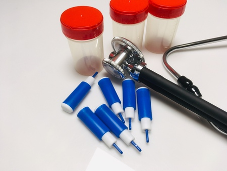 Automatic lancet for blood sampling stethoscope analysis equipment.