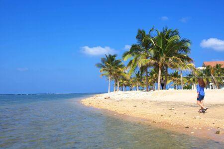 Sri Lanka, Kolombo, marzec 2014. Tropikalny kurort na plaży