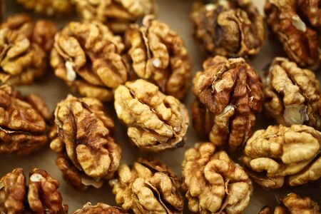 peeled whole kernels of walnuts harvest Reklamní fotografie - 132348635