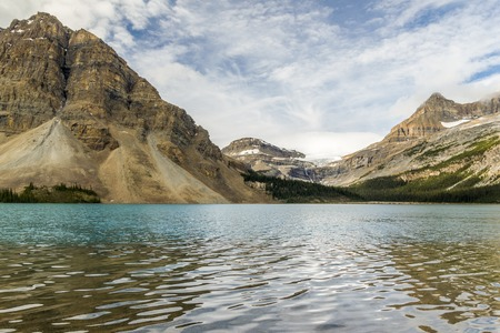 stock vista: Morning at Bow Lake, Banff National Park, Alberta, Canada