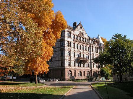 プリンストンのキャンパスの大きなビル