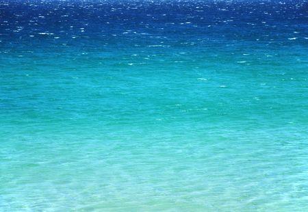 Tranquil Meeresoberfläche mit Übertragungsraten von bis blaue Farbe Blau, Mittelmeerküste, Meeres-Hintergründe  Standard-Bild - 3094529