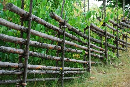 Valla de madera típico en zona rural de Suecia.  Foto de archivo - 8260778