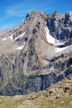 cirque: Il circo di Gavarnie � un anfiteatro grande roccia in Pirenei francesi. Il circo Archivio Fotografico