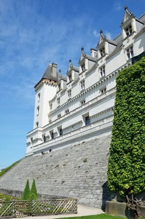 architectural heritage of the world: The ancient chateau de Pau and its formal garden are located in the old part of the city.