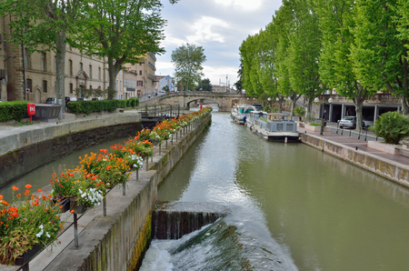 navigable: The lock is used on the canal de la Robine in the ancient French city Narbonne. It is the third section of the La Nouvelle branch.