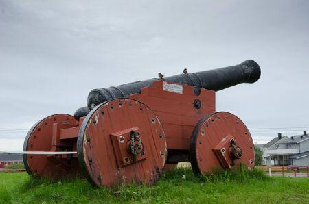 Ancient cannon in the Vardohus fortress. Foto de archivo