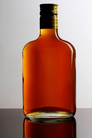 botella de whisky: Licor