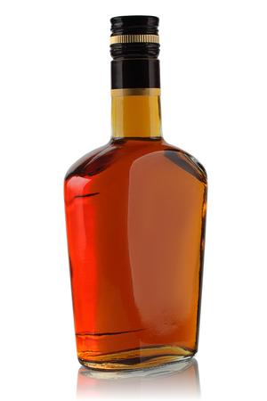 mamadera: botella de licor en un fondo blanco