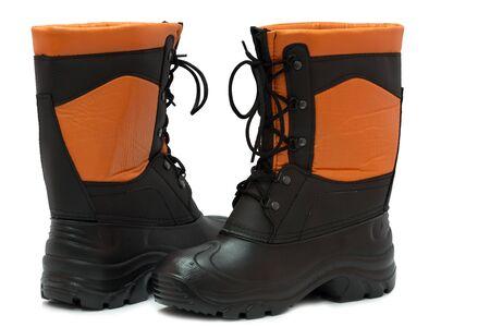 calzado de seguridad: nuevos zapatos de seguridad sobre un fondo blanco en el estudio
