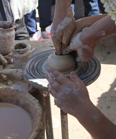 alfarero: alfarero trabaja