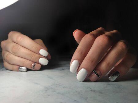 Multi-colored manicure with rhinestones and shiny design Zdjęcie Seryjne