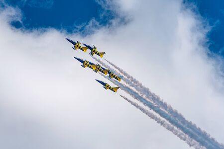 avions dans le spectacle aérien Éditoriale
