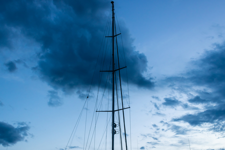 Yacht mast with the evening sky background - Image Imagens