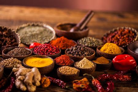 especias: Tema asiático colorido con especias