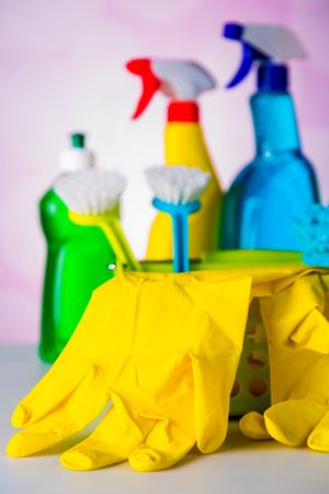 plastik: Cleaning equipment with hard light and saturated colors