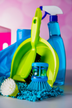 Plastik: Cleaning concept on saturated bright background